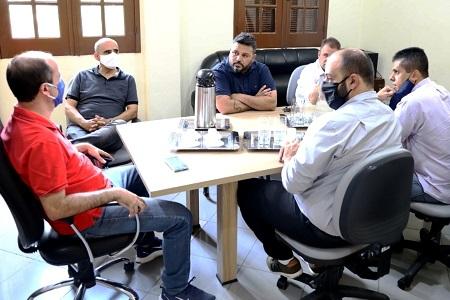 Prefeito recebe visita de deputado estadual Renato Zaca - Jornal da Região